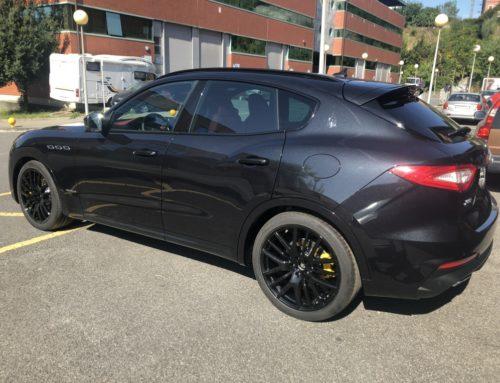 Maserati Levante, detalles manillas en negro