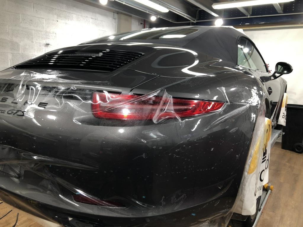 Trabajo de PPF Porsche 911 Carrera GTS (3)